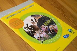 Grafik Design Umwelt & Soziales, Broschüre Jugendschutz, LRA Ebersberg